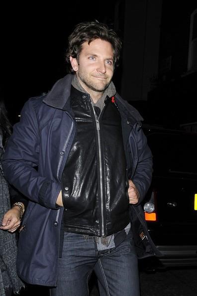 Bradley Cooper lascia il locale notturno di Londra: Box
