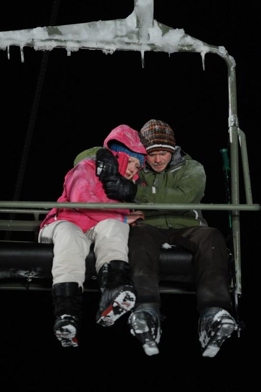 Emma Bell e Shawn Ashmore in una scena di Frozen