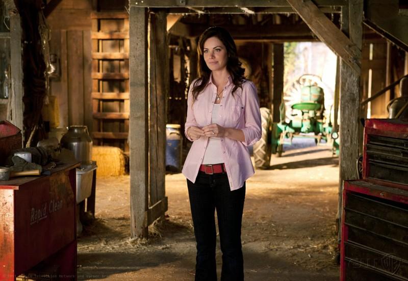 Lois (Erica Durance) in una sequenza dell'episodio Scion di Smallville