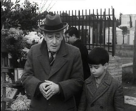 Totò e Pablito Calvo nel film Totò e Marcellino.