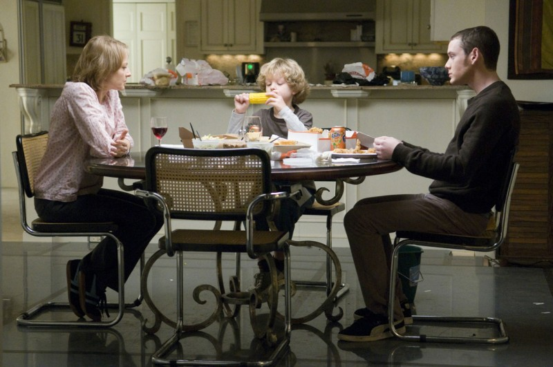 Jodie Foster, Riley Thomas Stewart  e Anton Yelchin in Mr. Beaver