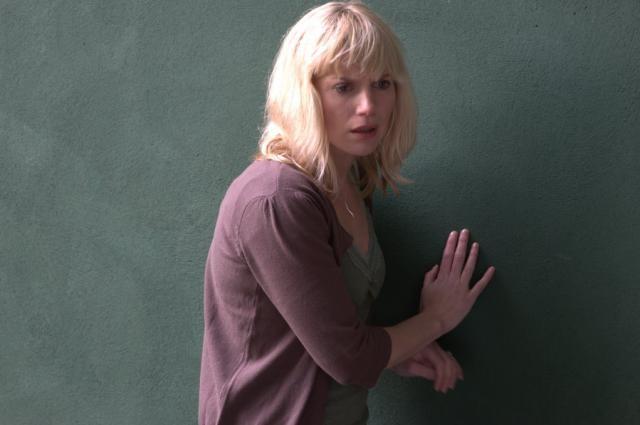 Eva Birthistle in una scena dell'horror Wake Wood