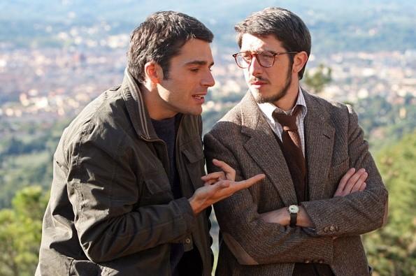 Paolo Ruffini e Luca Argentero nella commedia C'è chi dice no