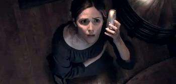 Rose Byrne in una scena del film Insidious