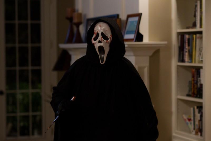 Un'immagine di Ghostface dal film Scream 4