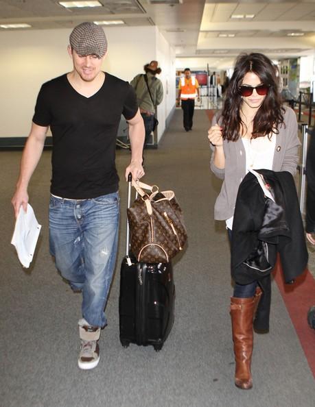 Channing Tatum e Jenna arrivano all'aeroporto di Los Angeles