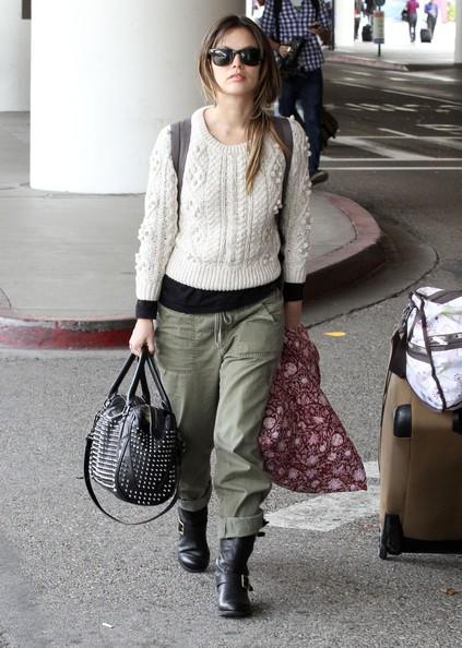Rachel Bilson arriva all'aeroporto di Los Angeles