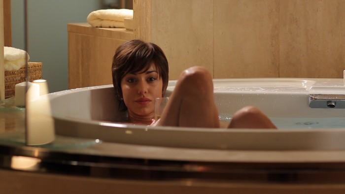 Belen Rodriguez è la star sudamericana Talita nel film Se sei così, ti dico di sì