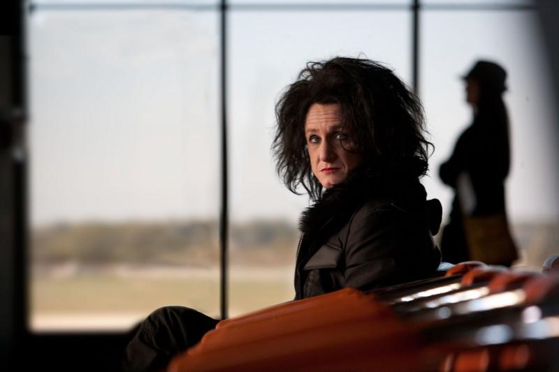 Sean Penn è l'ex-rockstar Cheyenne in This Must Be the Place, di Paolo Sorrentino.