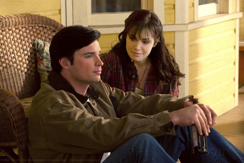 Clark (Tom Welling) e Lois (Erica Durance) dell'episodio Kent di Smallville