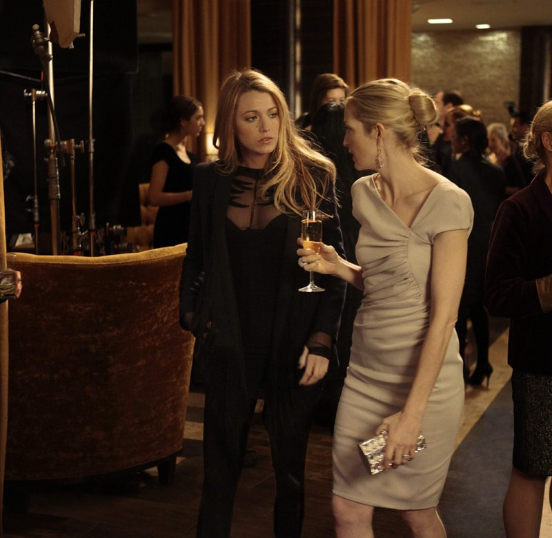 Lily (Kelly Rutherford) parla con Serena (Blake Lively) nell'episodio Empire Of The Son di Gossip Girl