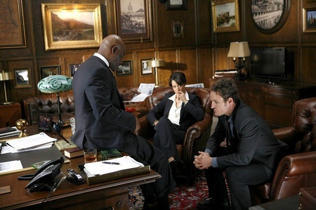 Delroy Lindo, Jason Clarke e Jennifer Beals nel pilot di The Chicago Code