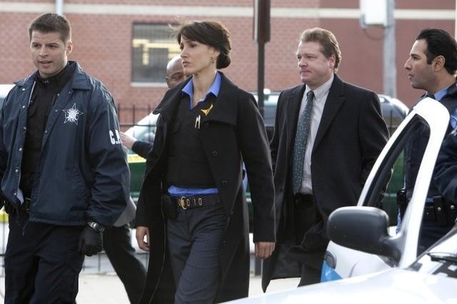 Jennifer Beals nell'episodio Cabrini-Green di The Chicago Code