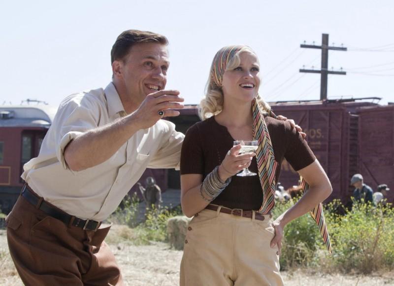 Christoph Waltz e Reese Witherspoon in una scena del film Come l'acqua per gli elefanti