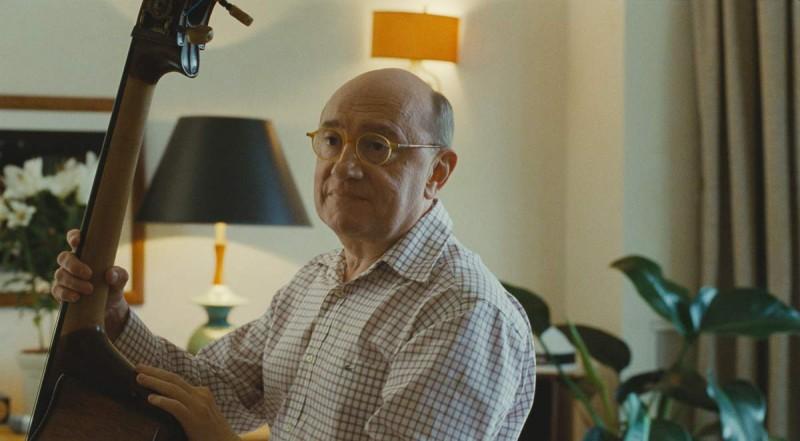 Michel Blanc è tra gli interpreti del dramedy Et soudain tout le monde me manque