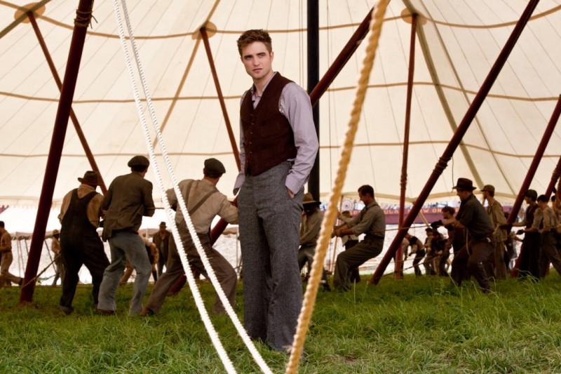 Robert Pattinson in una scena del film Come l'acqua per gli elefanti, ambientato in un circo