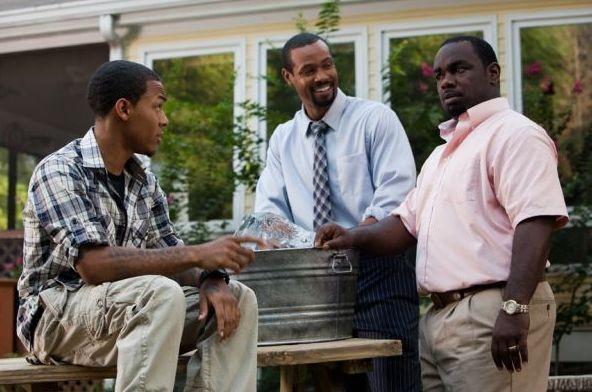 Byron (Bow Wow), Calvin (Isaiah Mustafa) e Harold (Rodney Perry) nel film Madea's Big Happy Family
