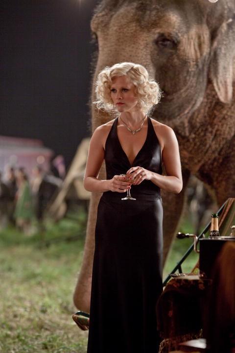 Reese Witherspoon è l'affascinante Marlena di Come l'acqua per gli elefanti
