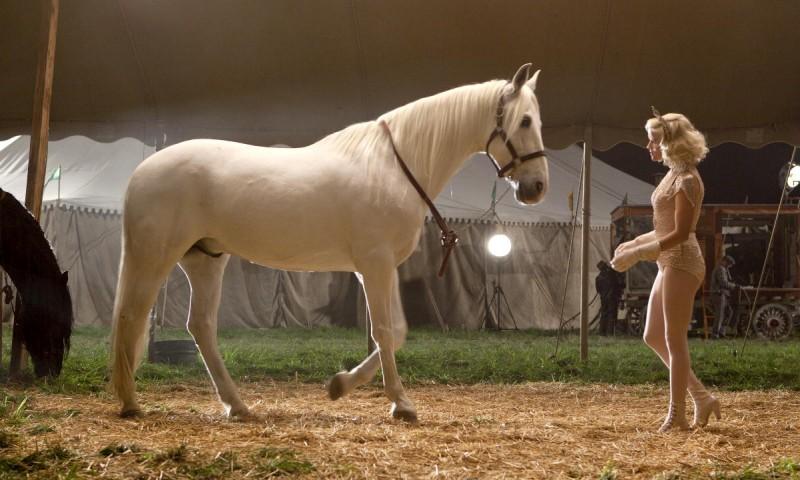 Reese Witherspoon è Marlena nel film Come l'acqua per gli elefanti