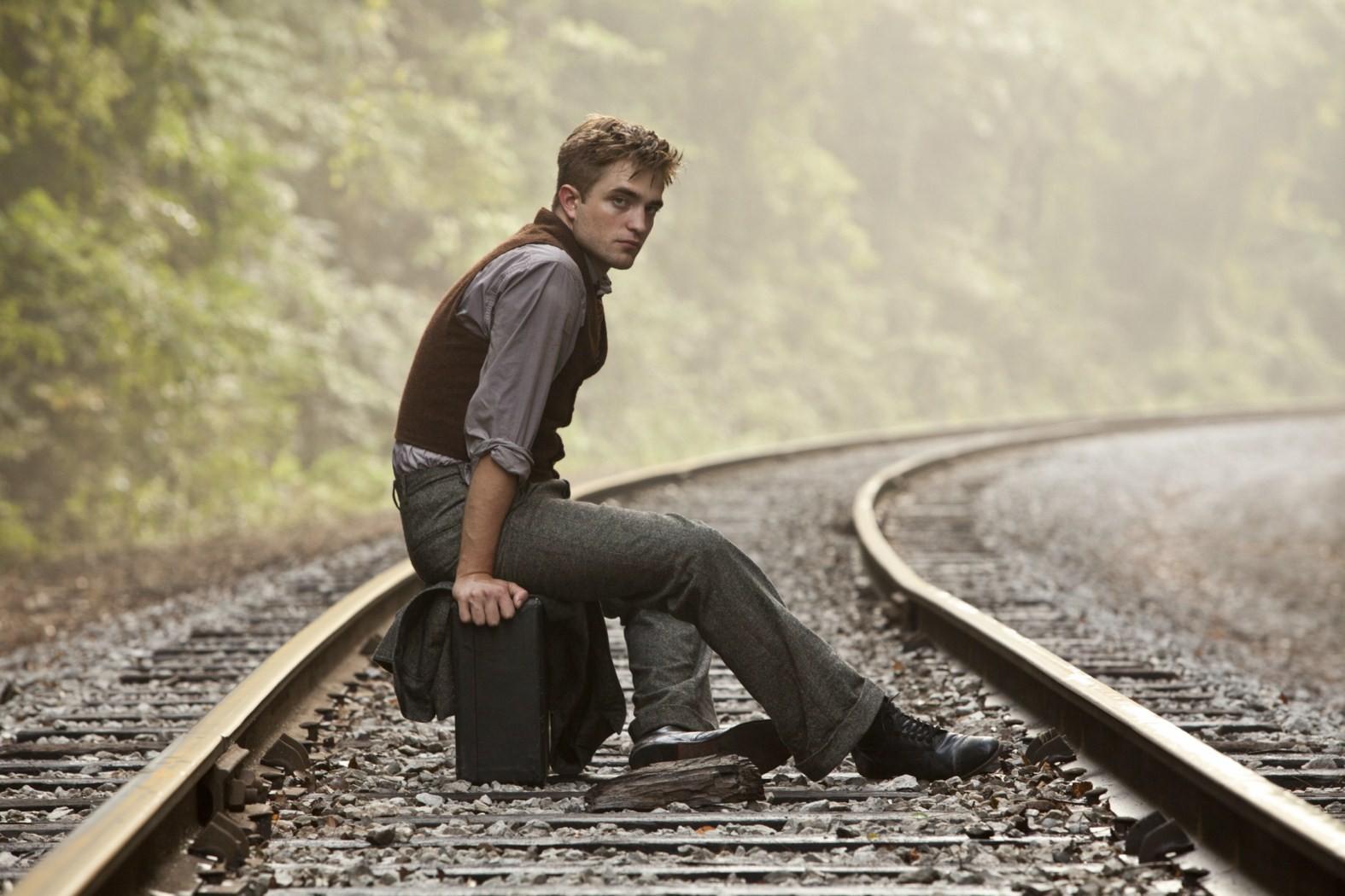 Wallpaper di Robert Pattinson nel film Come l'acqua per gli elefanti, 2011
