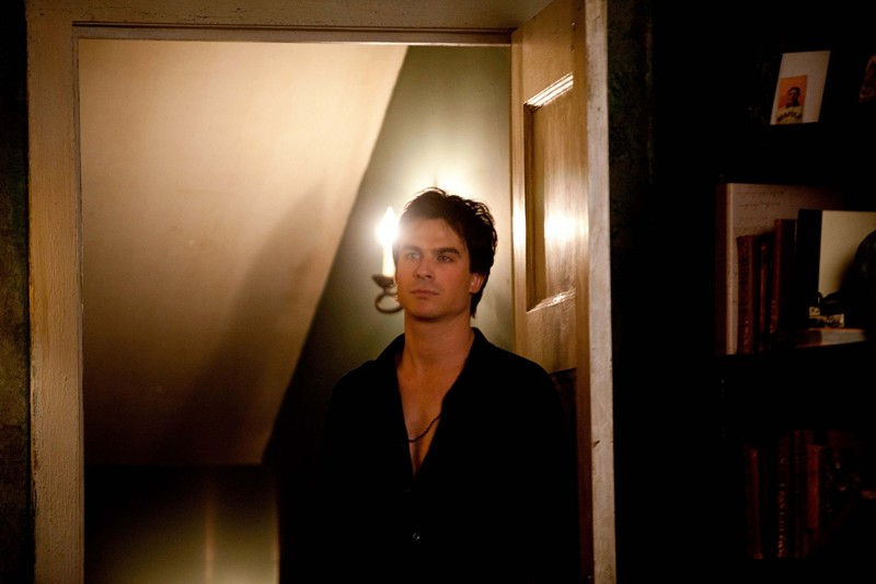 Damon (Ian Somerhalder) in una scena dell'episodio The Last Dance di Vampire Diaries