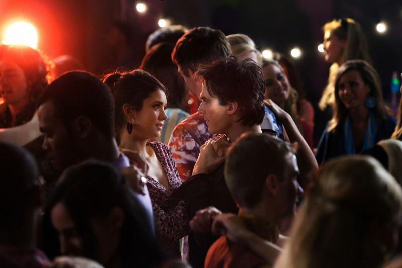 Ian Somerhalder balla con Nina Dobrev nell'episodio The Last Dance di Vampire Diaries