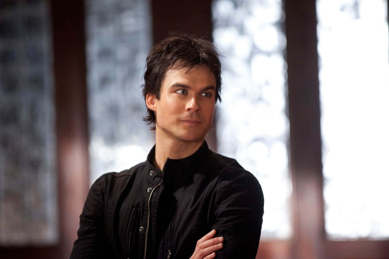 Damon (Ian Somerhalder) in un momento dell'episodio The Last Dance di Vampire Diaries