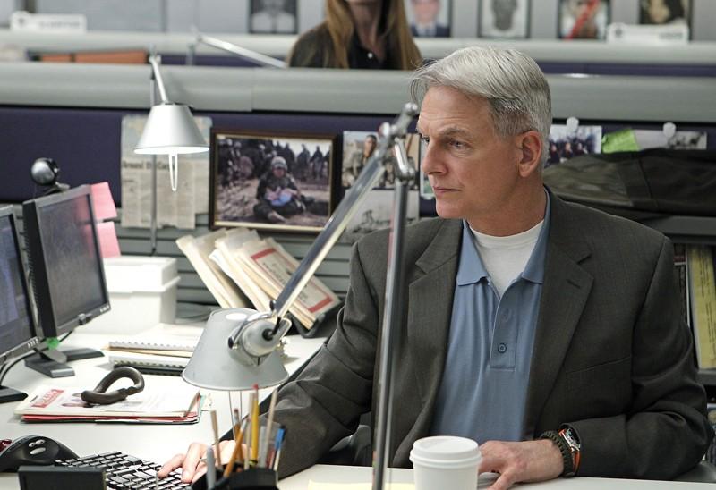 Gibbs (Mark Harmon) in una sequenza dell'episodio Two Faced di NCIS