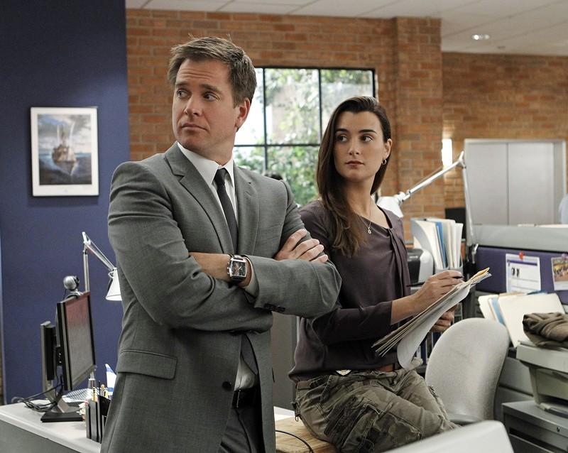 Michael Weatherly e Cote de Pablo a lavoro nell'episodio Two Faced di NCIS
