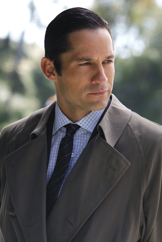 Ray (Enrique Murciano) in una scena dell'episodio Two Faced di NCIS