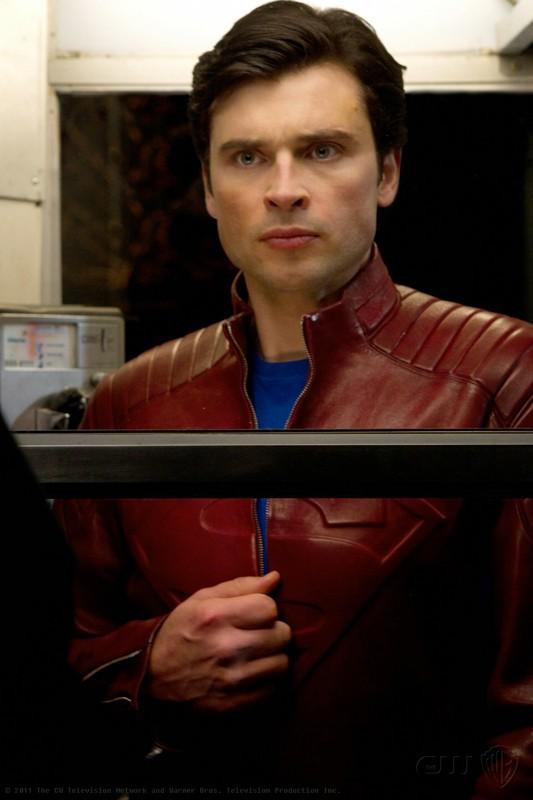 The Blur (Tom Welling) in una sequenza dell'episodio Booster di Smallville
