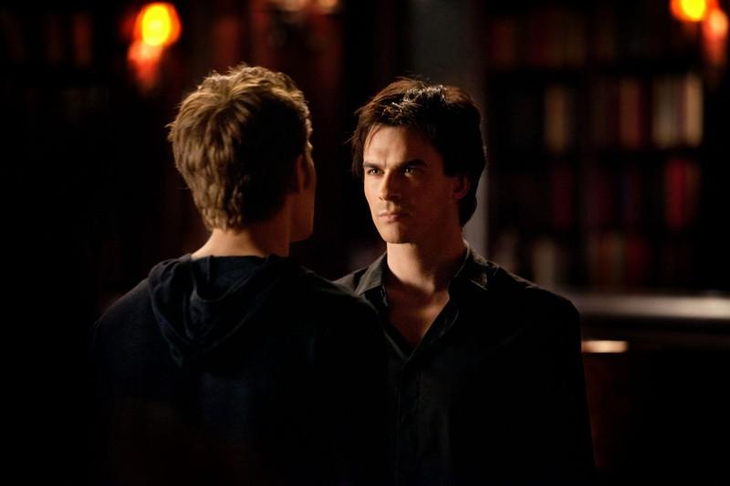I fratelli Salvatore (Paul Wesley e Ian Somerhalder) nell'episodio Klaus di Vampire Diaries