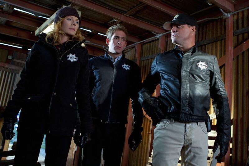 Marg Helgenberger, Eric Szmanda e George Eads nell'episodio The List di CSI: Scena del crimine