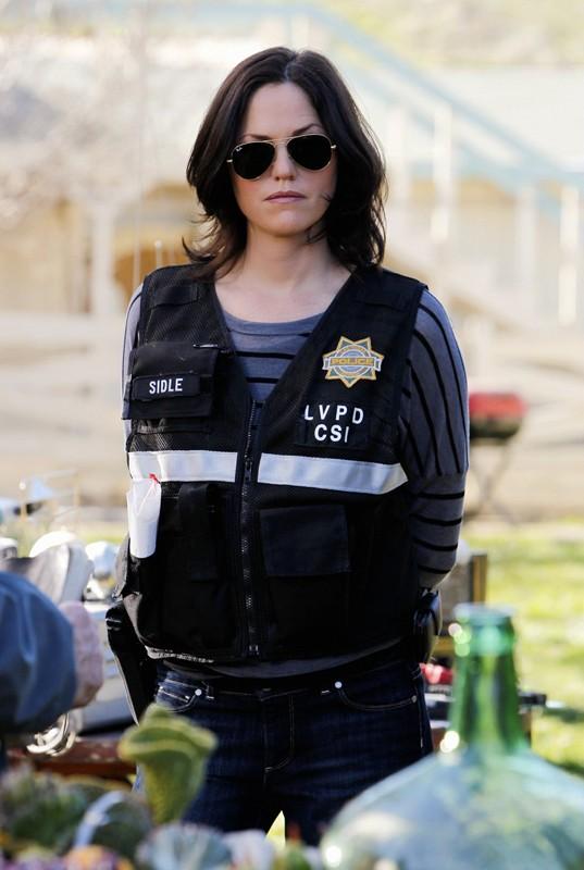 Sara Sidle (Jorja Fox) in una scena dell'episodio Turn On, Tune In, Drop Dead di CSI: Scena del crimine
