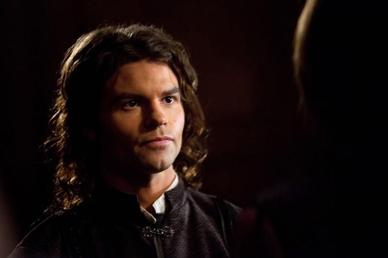 Un primo piano del giovane Elijah (Daniel Gillies) nell'episodio Klaus di Vampire Diaries