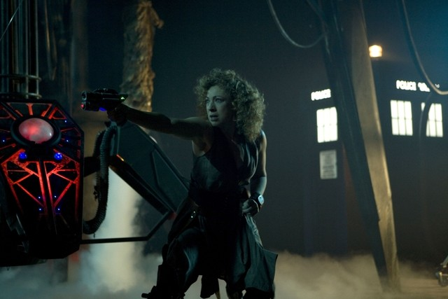 Alex Kingston nell'episodio Day Of The Moon di Doctor Who