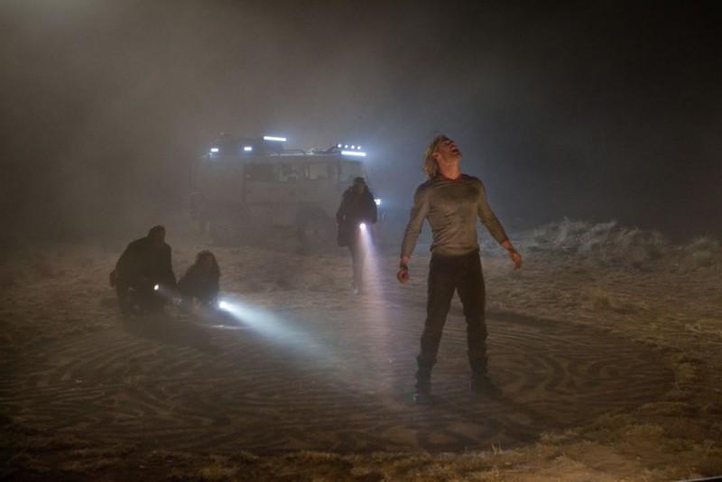 Chris Hemsworth in una suggestiva sequenza del film Thor di K. Branagh