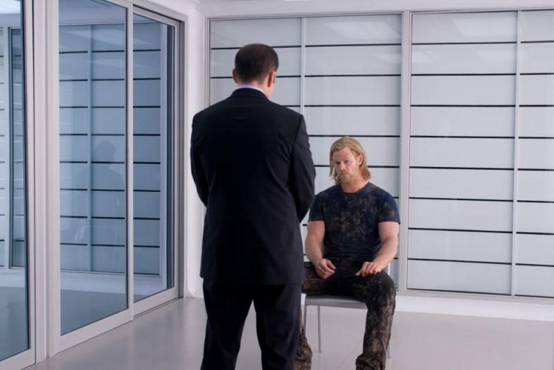 Chris Hemsworth interpreta Thor nel film di Kenneth Branagh