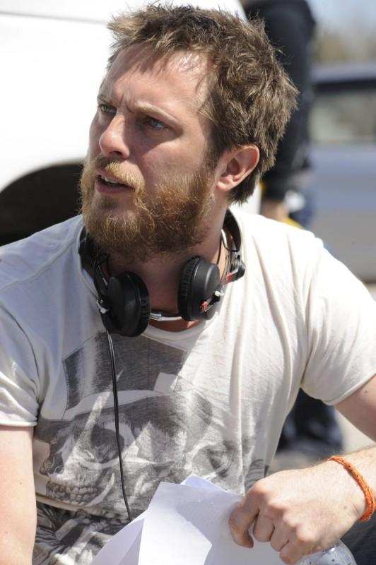 Il regista Duncan Jones sul set di Source Code, da lui diretto