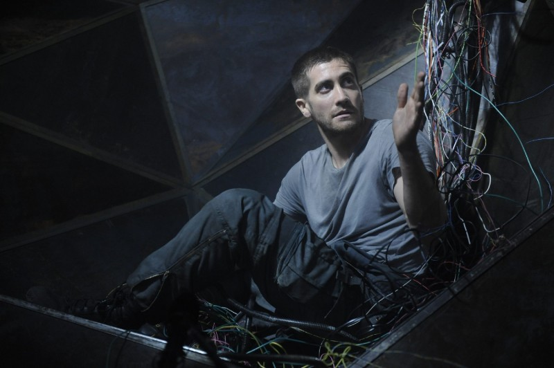 Jake Gyllenhaal, protagonista di Source Code di D. Jones (2011)