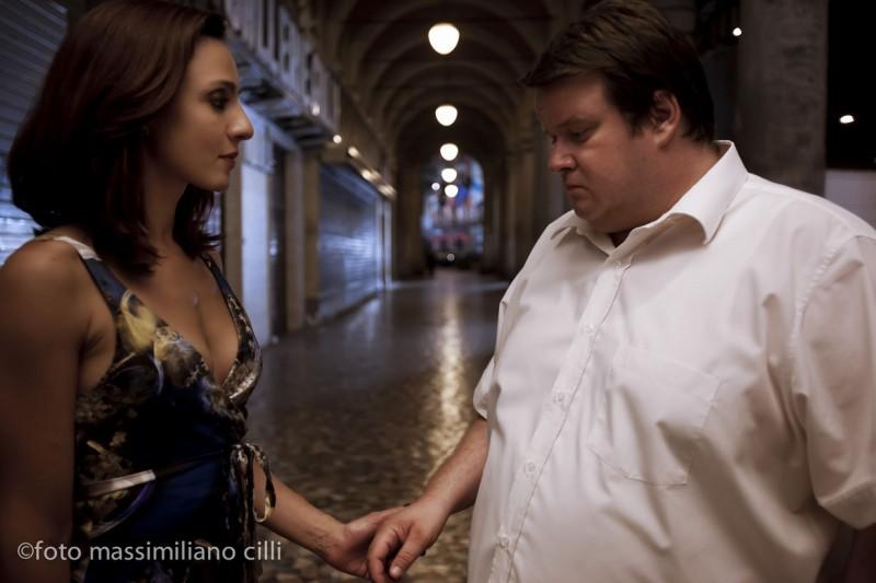 Ambra Angiolini con Giuseppe Battiston nel film Notizie degli scavi di E. Greco