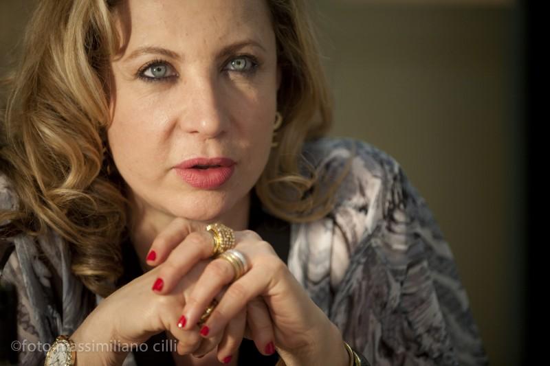 Iaia Forte è 'la Signora' nel film Notizie degli scavi