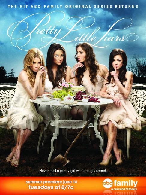 Primo poster della stagione 2 di Pretty Little Liars