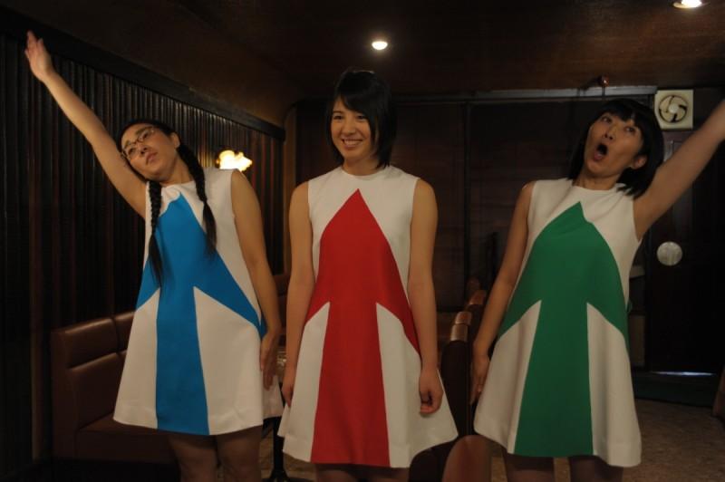 Una scena dell'episodio Cheer Girl del film Quirky Guys And Gals
