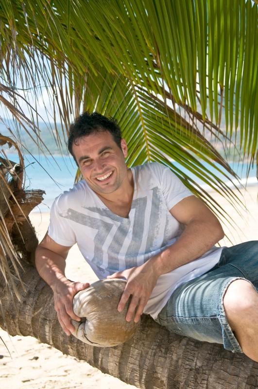 Miguel Mestre presenta lo show La cucina tropicale di Miguel.