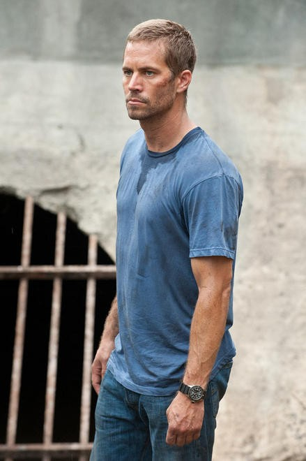 Paul Walker in una sequenza di Fast & Furious 5