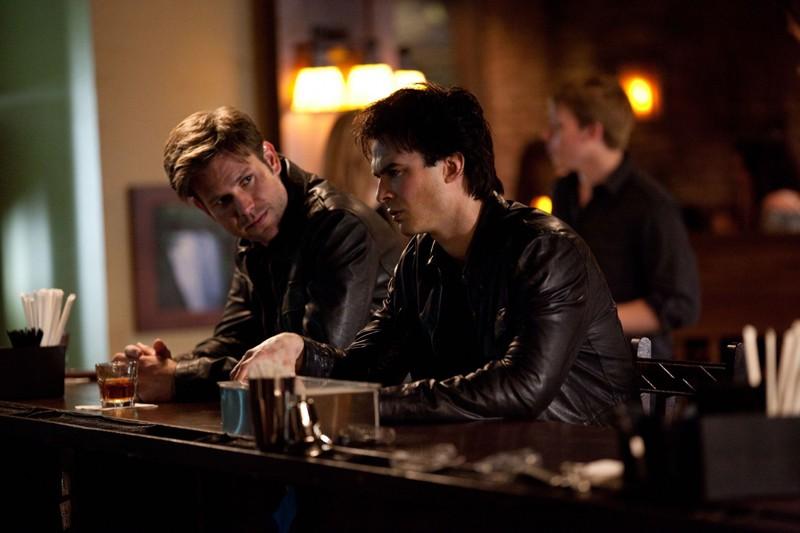 Alaric (Matthew Davis) e Damon (Ian Somerhalder) in una scena dell'episodio The Last Day di Vampire Diaries