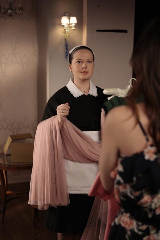 Dorota (Zuzanna Szadkowski) in una scena dell'episodio Petty in Pink di Gossip Girl
