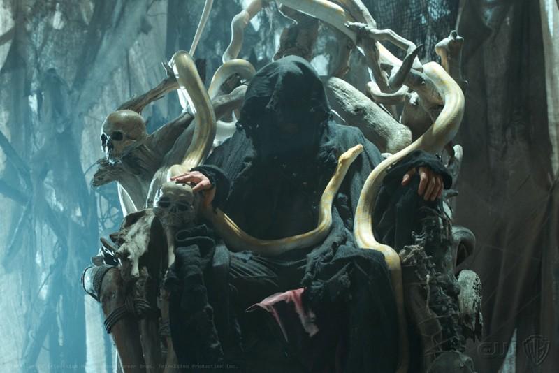 Una misteriosa figura (Callum Blue) appare nell'episodio Dominion di Smallville