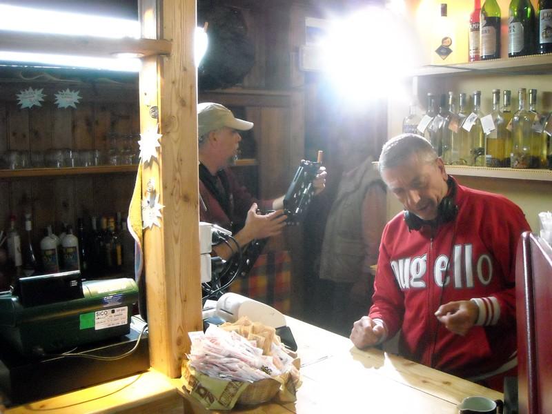 Il regista Papini sul set del film La misura del confine